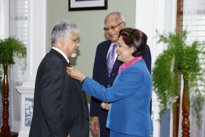 Dr Bhoe Tewarie swearing-in